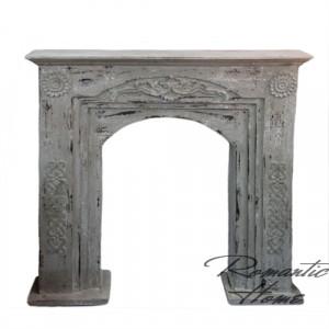 Деревянный портал для камина в стиле прованс