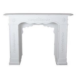 Декоративный каминный портал из дерева
